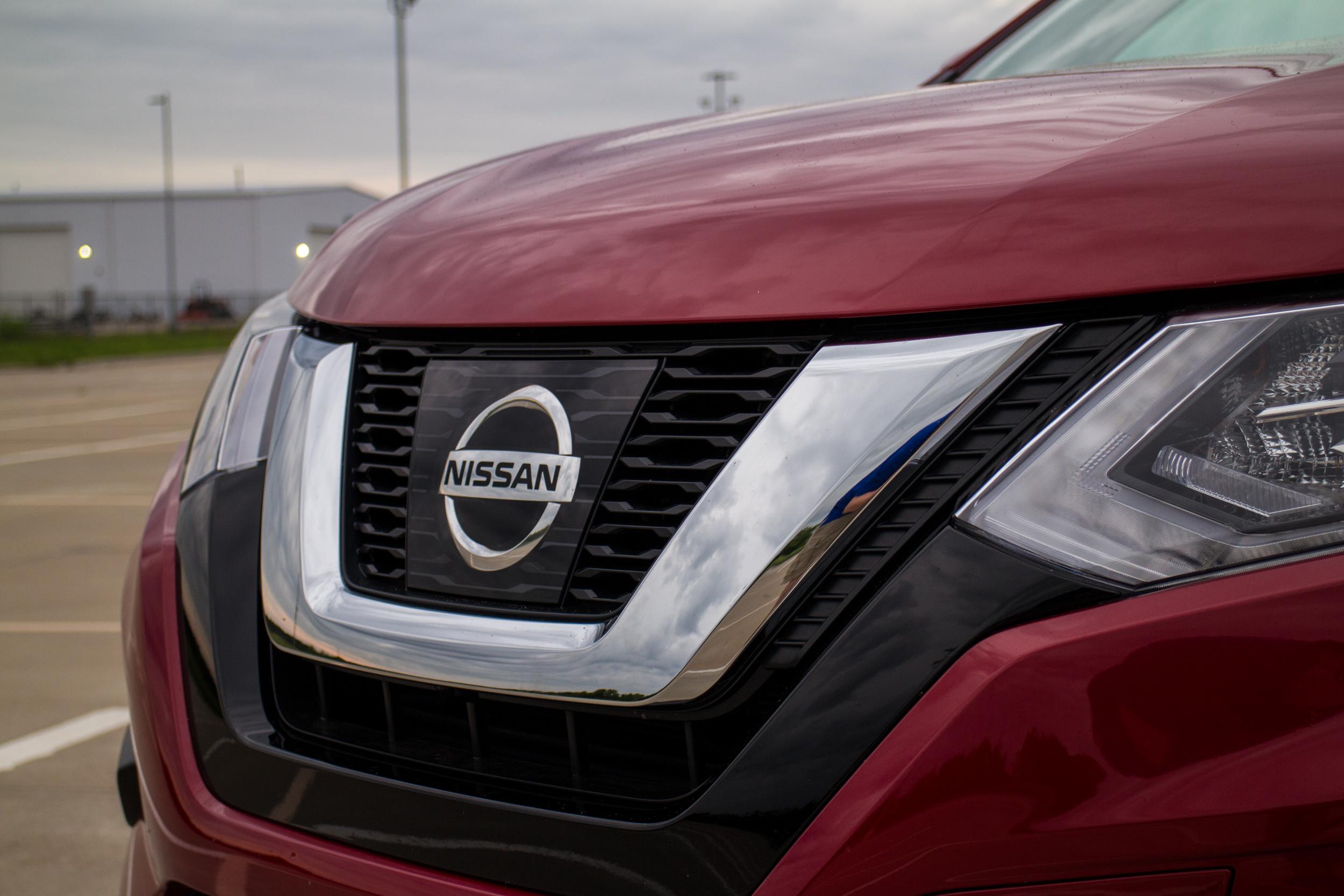 2017-Nissan-Rogue-4