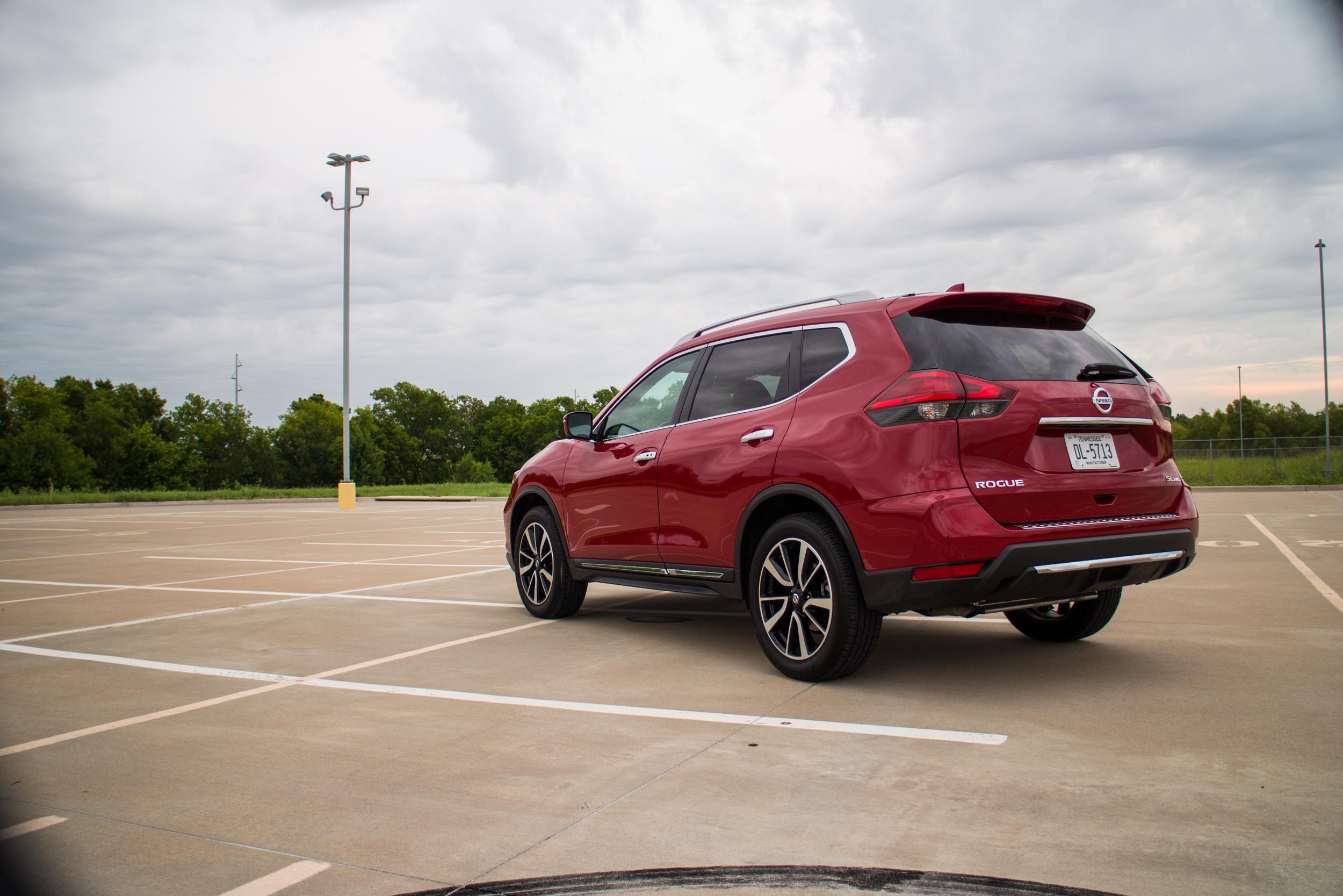2017-Nissan-Rogue-8