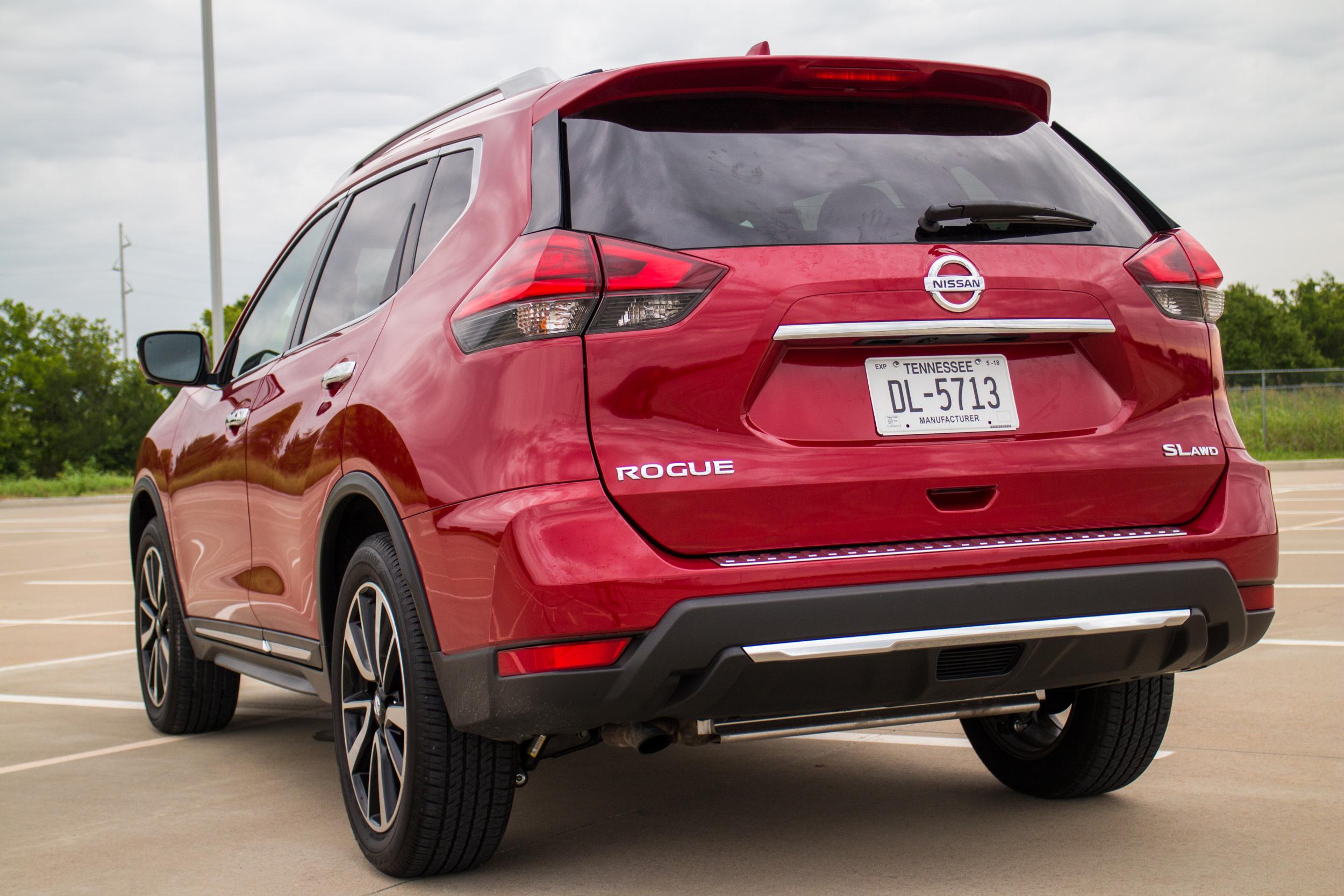 2017-Nissan-Rogue-9