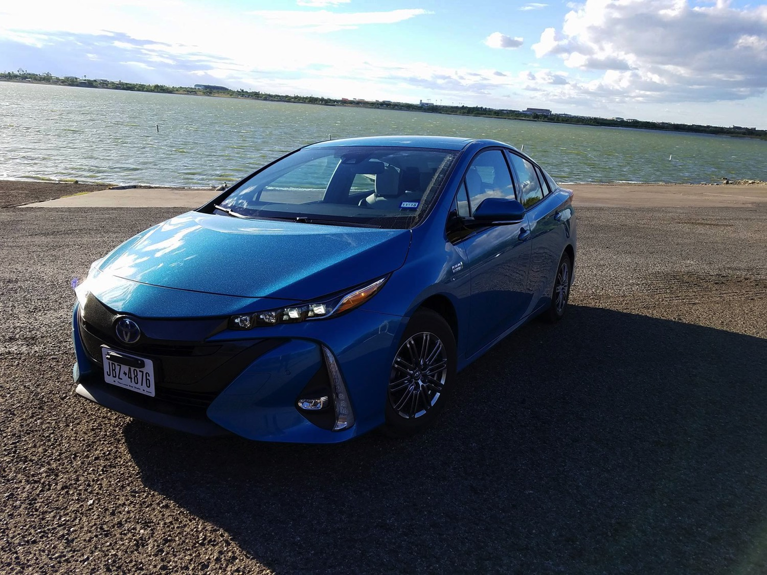 2017 toyota prius prime plug in hybrid cooler than you think txgarage. Black Bedroom Furniture Sets. Home Design Ideas