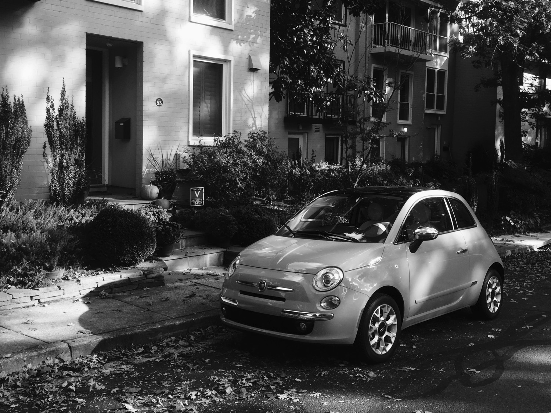 2017-Fiat-500-Lounge–01