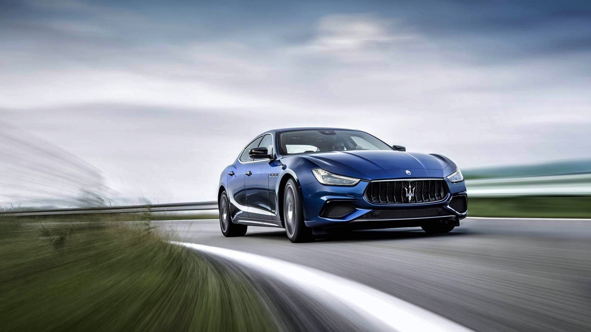 Maserati-Ghibli-GranSport-MY18-09-2