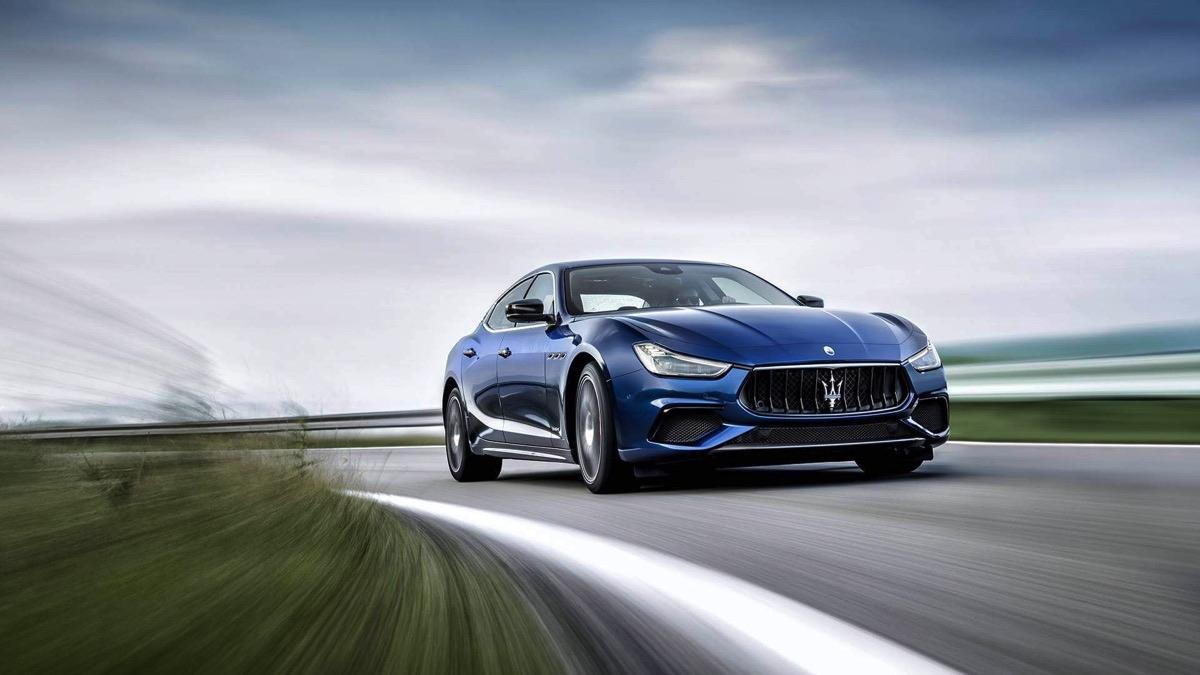 Maserati-Ghibli-GranSport-MY18-09-2