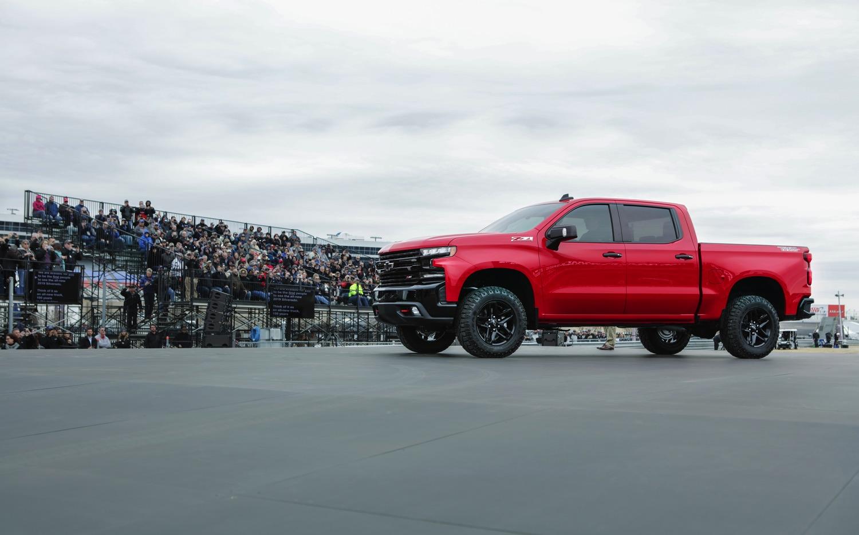 2019-Chevrolet-Silverado-Reveal-06