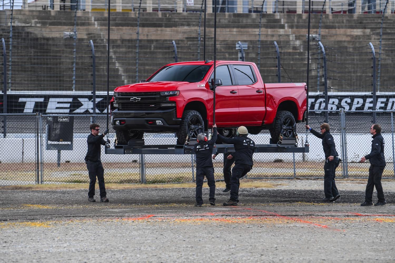 2019-Chevrolet-Silverado-Reveal-07