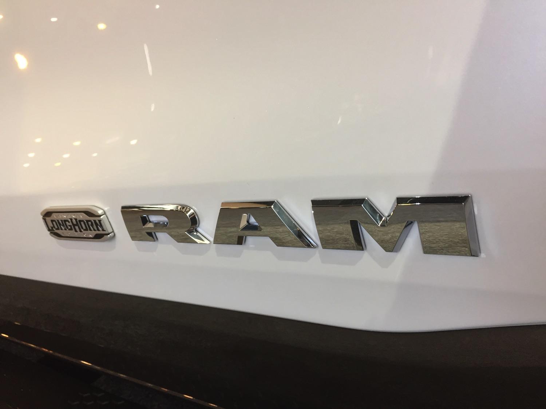 2019-RAM-1500-Laramie-Longhorn–txgarage–010