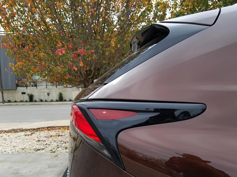 2018-Lexus-NX-300h–008