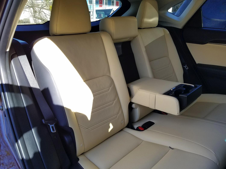 2018-Lexus-NX-300h–015