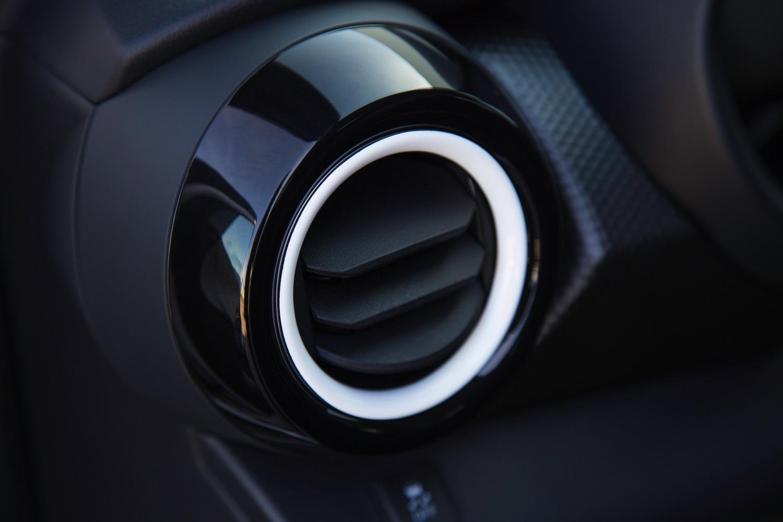 2018 Nissan KICKS_CS_vent