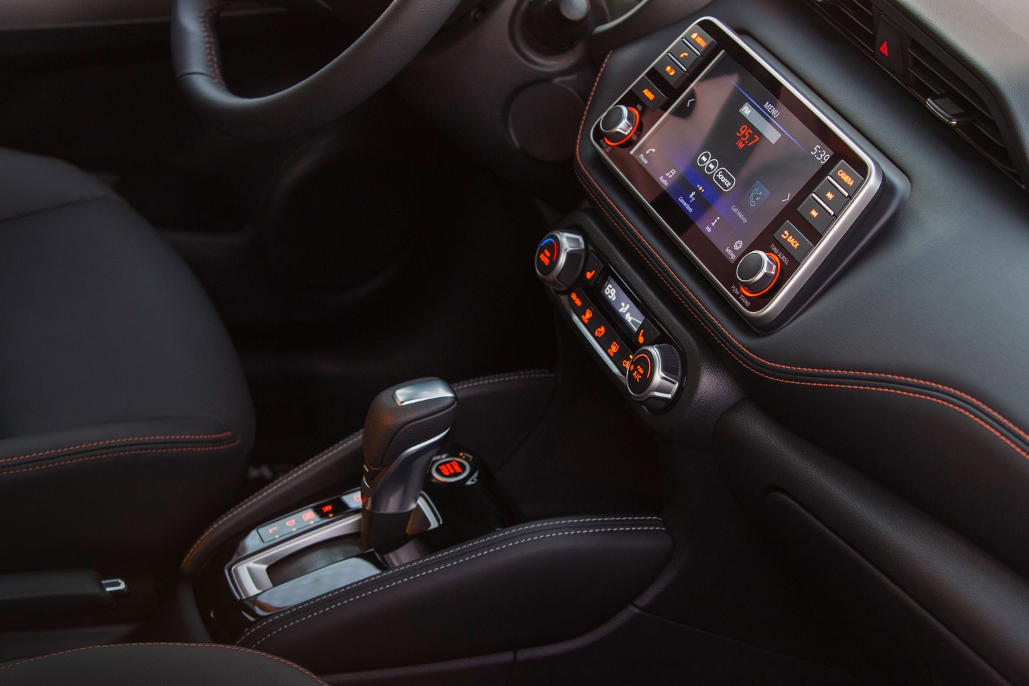 2018 Nissan KICKS_Interior 3