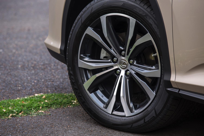 2018_Lexus_RX_350_F_SPORT_030_5E0189491769020498AD33FA4FC5843CE08FE1C9