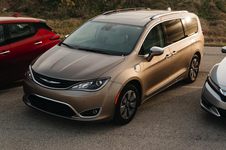 Chrysler-Pacifica-TX-Auto-Roundup–800_3402
