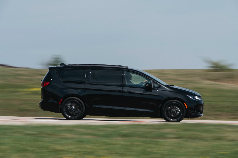Chrysler-Pacifica-TX-Auto-Roundup–DSC_3801