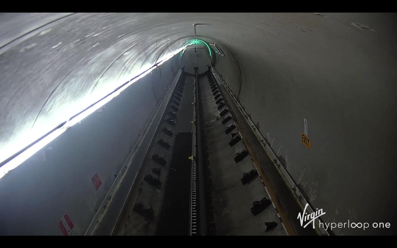 Virgin-Vision-2030-Hyperloop-Pod–03