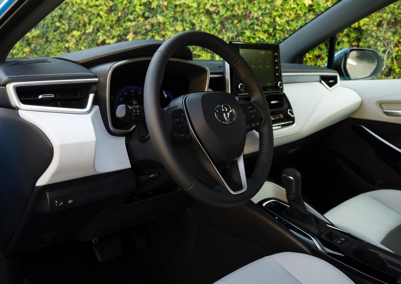 2019_Toyota_Corolla_Hatchback_022_75FEE3B65D505D88BD86F7AE7DCF95E892B38015