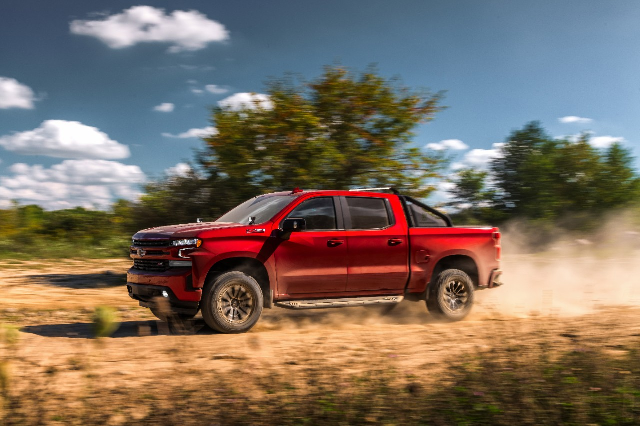 The 2019 Silverado RST Off Road Concept features a 5.3L V-8 engi