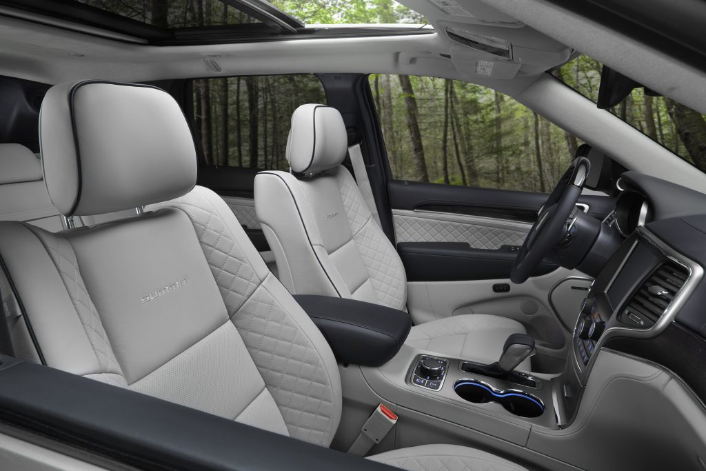 2018 Jeep® Grand Cherokee Summit Luxury Interior