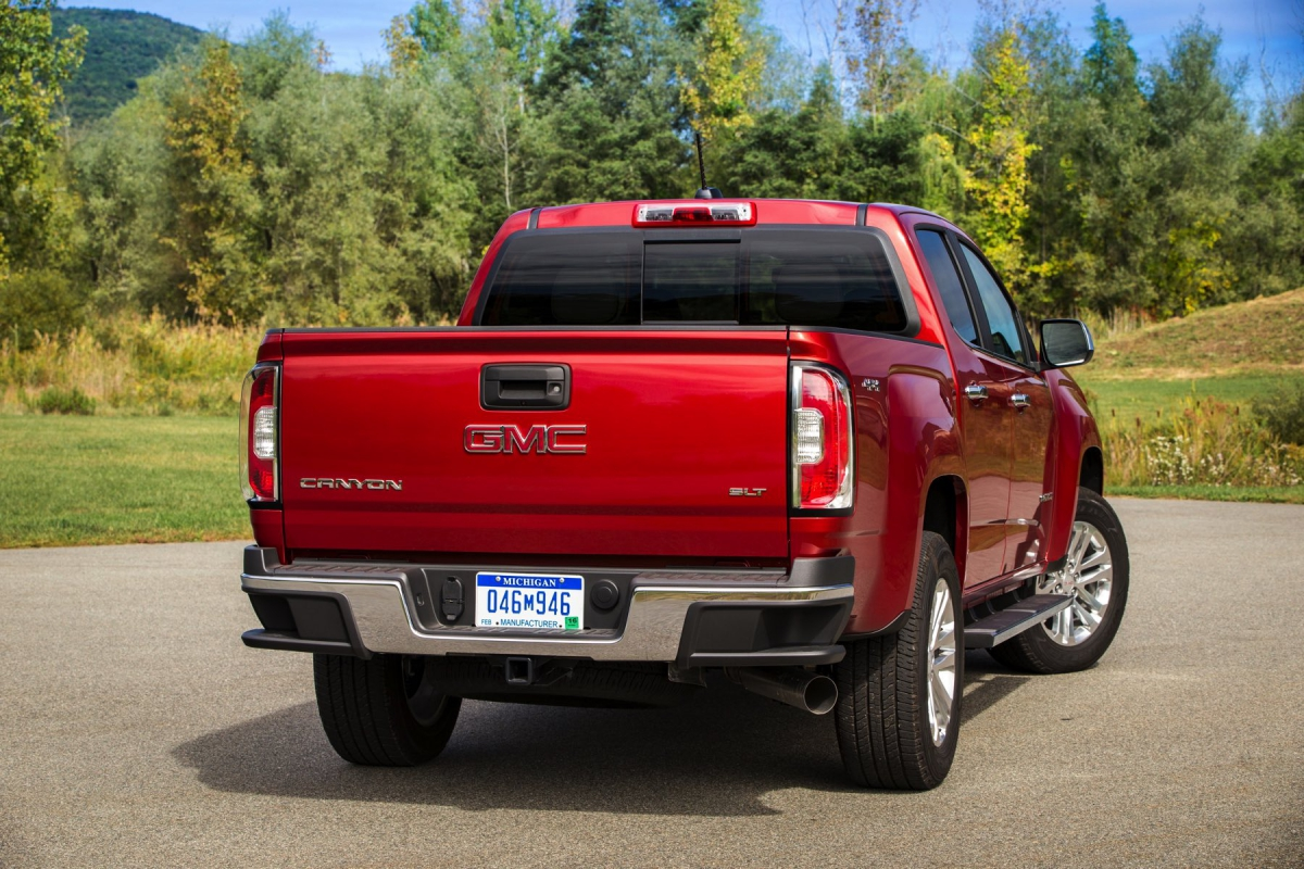 2016 gmc canyon diesel  a grander canyon