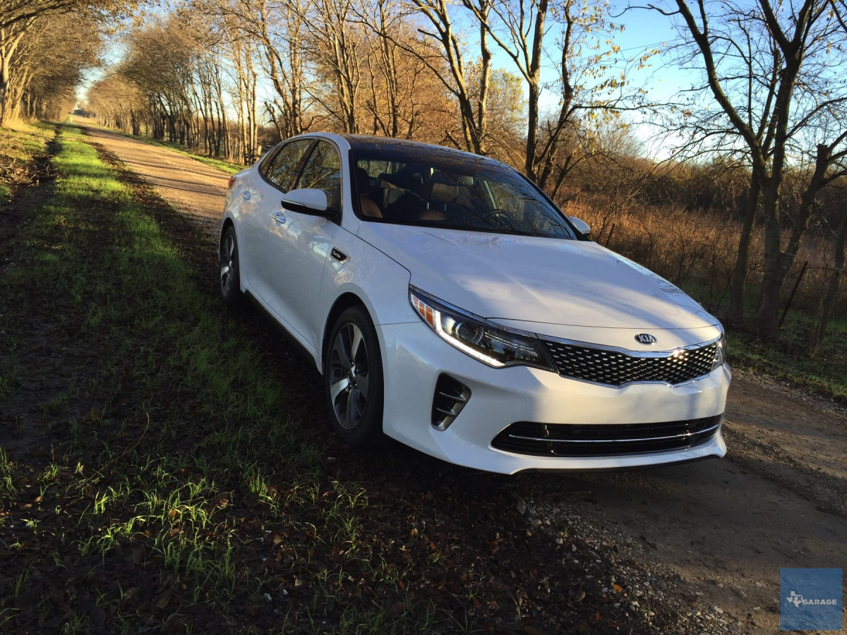 2016 kia optima sx turbo thinking midsize sedan optimize. Black Bedroom Furniture Sets. Home Design Ideas