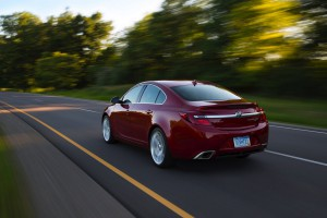 2016-Buick-Regal-GS--003