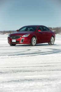 2016-Buick-Regal-GS--009