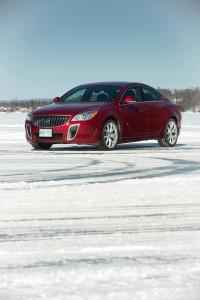 2016-Buick-Regal-GS--009