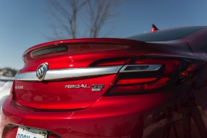 2016-Buick-Regal-GS--011