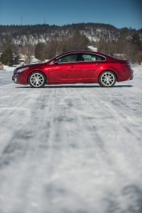 2016-Buick-Regal-GS--012