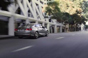 2016-Chevrolet-Malibu-Hybrid-028