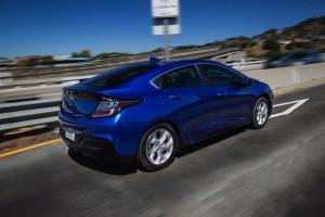 2016-Chevrolet-Volt-038