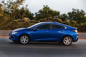 2016-Chevrolet-Volt-045