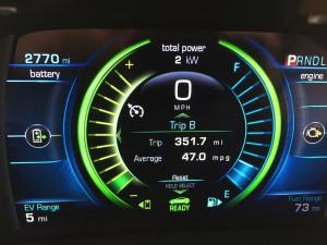 2016-Chevrolet-Volt-txg-JG-007