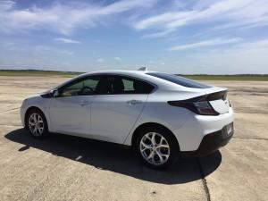 2016-Chevrolet-Volt-txg-JG-012