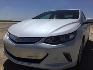 2016-Chevrolet-Volt-txg-JG-015