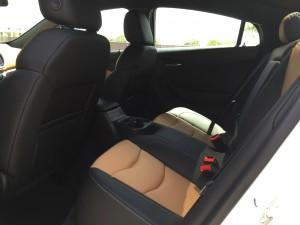 2016-Chevrolet-Volt-txg-JG-017