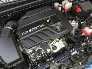 2016-Chevy-Malibu-Hybrid--001