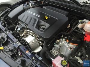 2016-Chevy-Malibu-Hybrid--002