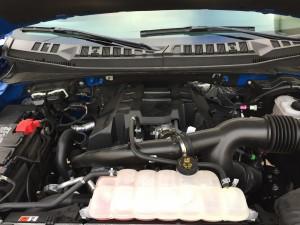 2016-Ford-F-150-XLT-4x4--032