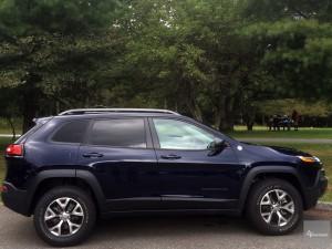 2016-Jeep-Cherokee-TrailHawk--007