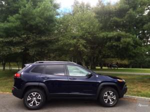 2016-Jeep-Cherokee-TrailHawk--008