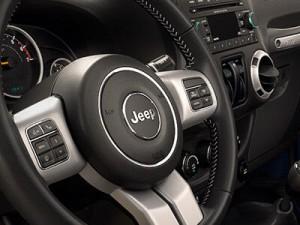 2016-Jeep-Wrangler-Unlimited-Rubicon-Hard-Rock--09