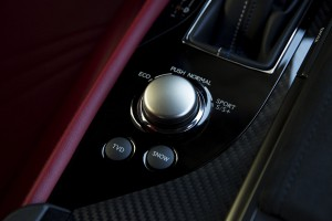 2016-Lexus-GS-F-txGarage-020