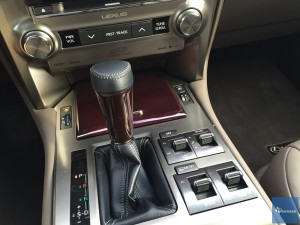 2016-Lexus-GX460---016