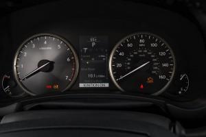 2016-Lexus-NX-crossover-suv-008