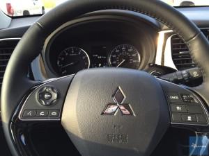 2016-Mitsubishi-Outlander-GT-021