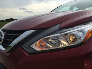 2016-Nissan-Altima-txGarage--021