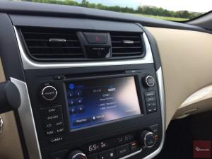 2016-Nissan-Altima-txGarage--029