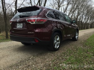 2016-Toyota-Highlander--006