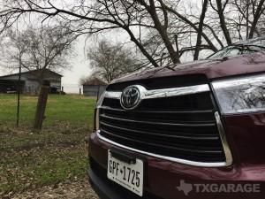2016-Toyota-Highlander--013