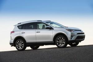 2016-Toyota-RAV4-004